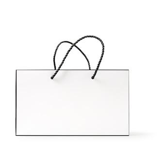 Witte en zwarte papieren boodschappentas geïsoleerd op een witte achtergrond uitknippad inbegrepen