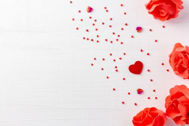 Witte houten achtergrond voor valentijn of liefhebbers van dag