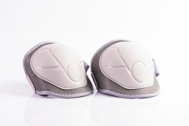 Witte kniebeschermers voor kinderen