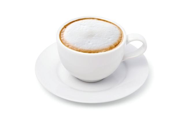 Witte kopje cappuccino koffie geïsoleerd op wit