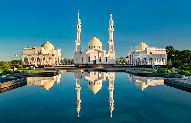 Witte moskee in bolgar. in tatarstan, rusland