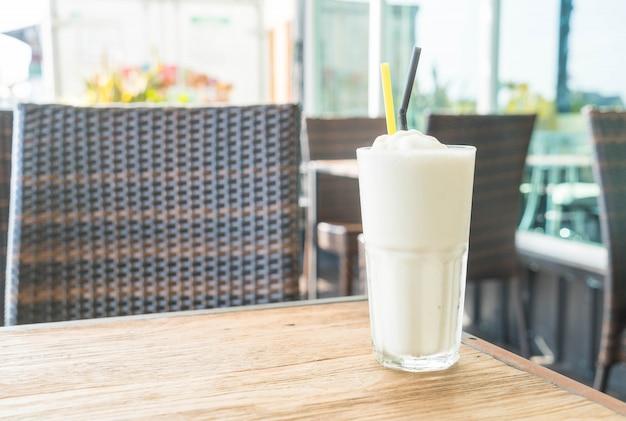 Witte mout milkshake