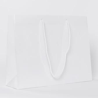 Witte papieren boodschappentas