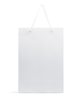 Witte papieren zak geïsoleerd op een witte achtergrond met uitknippad