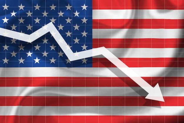 Witte pijl valt tegen de achtergrond van de vlag van de verenigde staten van amerika
