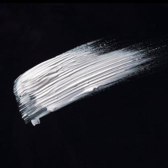 Witte ruim penseelstreek