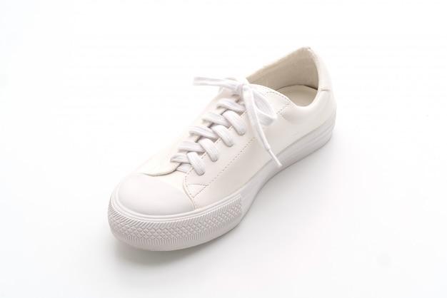 Witte sneakers op wit