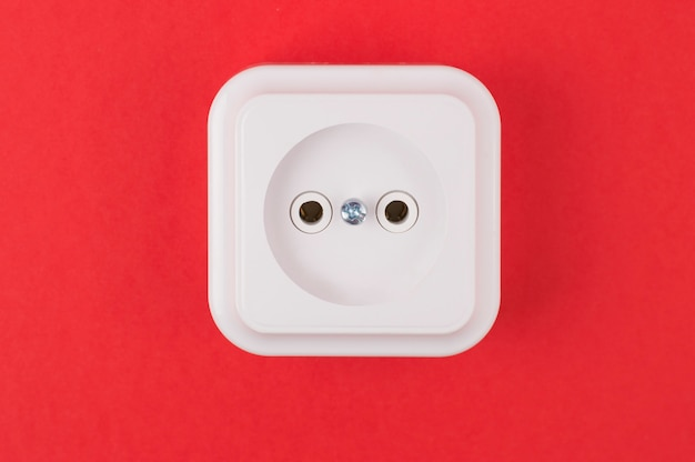 Witte socket op rood