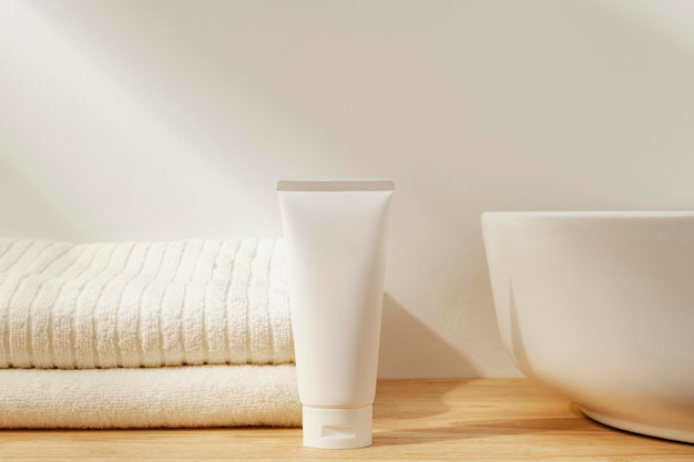 Witte tube gezichtscrème, schoonheidsproduct