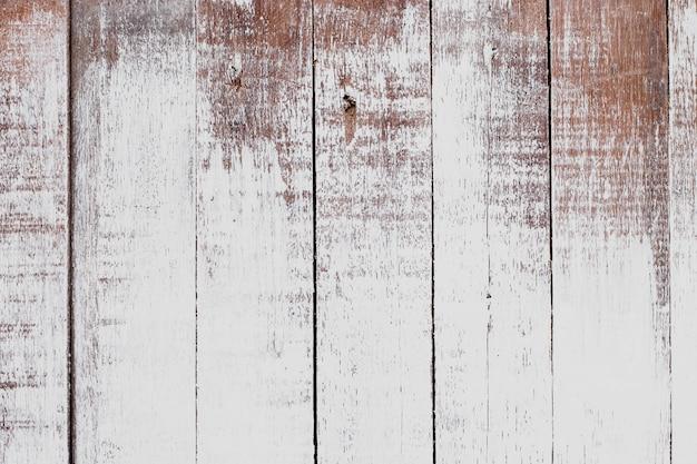 Witte verf op oude houten vloeren.