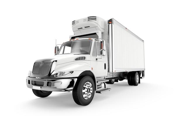 Witte vrachtwagen die op een witte achtergrond wordt geïsoleerd