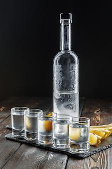Wodka in borrelglaasjes