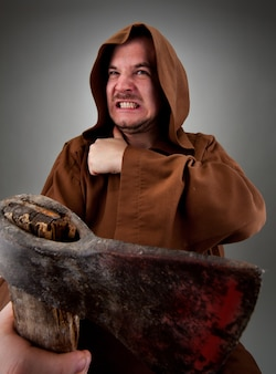 Woedende middeleeuwse beul