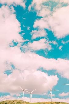Wolken boven het veld