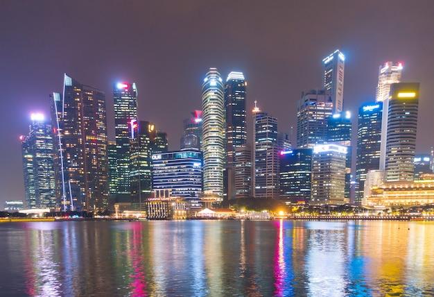 Wolkenkrabber die de stad van singapore bouwt.