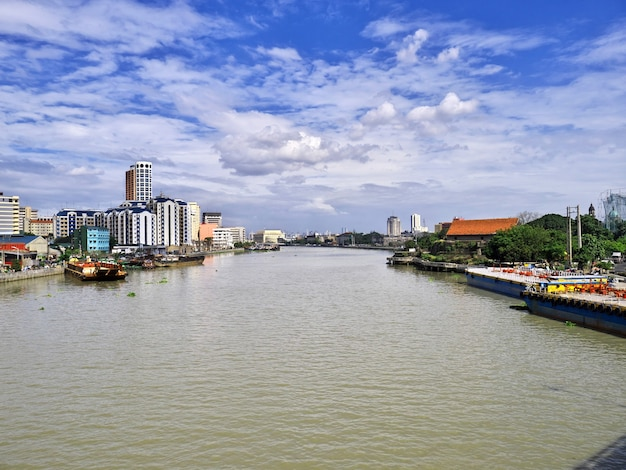 Wolkenkrabbers in de stad manilla, filippijnen