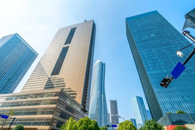 Wolkenkrabbers in het financiële district van lujiazui, shanghai