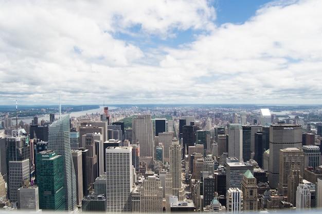 Wolkenkrabbers van de moderne stad new york, verenigde staten