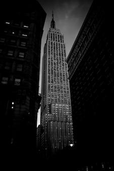 Wolkenkrabbers van de stad new york in de zomer.