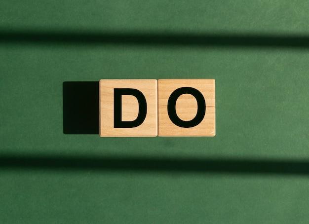 Woord doen. motivatie concept van nu handelen.