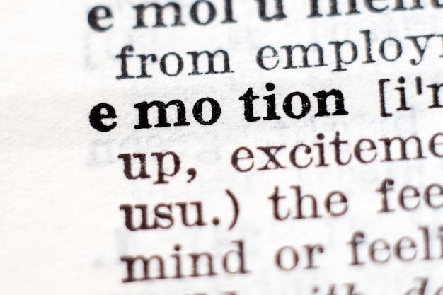 Woordenboekdefinitie van woord emotie, selectieve aandacht.