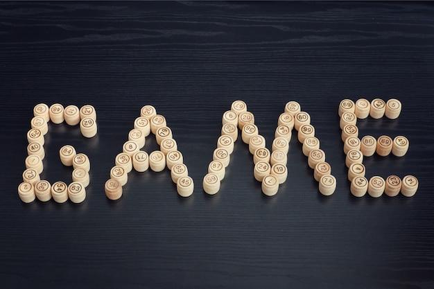 Woordspel uit houten vaten