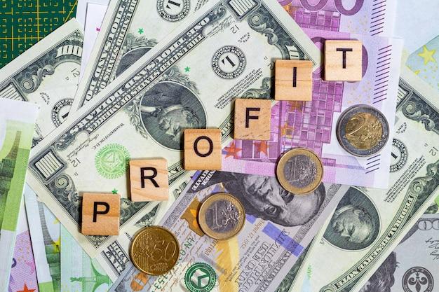 Woordwinst op de geldbankbiljetten