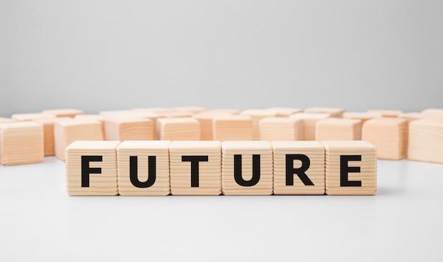 Word future gemaakt met houten bouwstenen