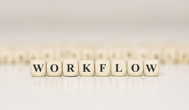 Word workflow gemaakt met houten bouwstenen