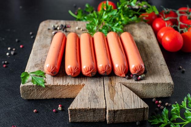 Worstvlees varkensvlees, rundvlees of kip klaar om te eten