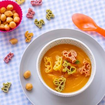 Wortelsoep, pastadieren, gezond eten voor kinderen