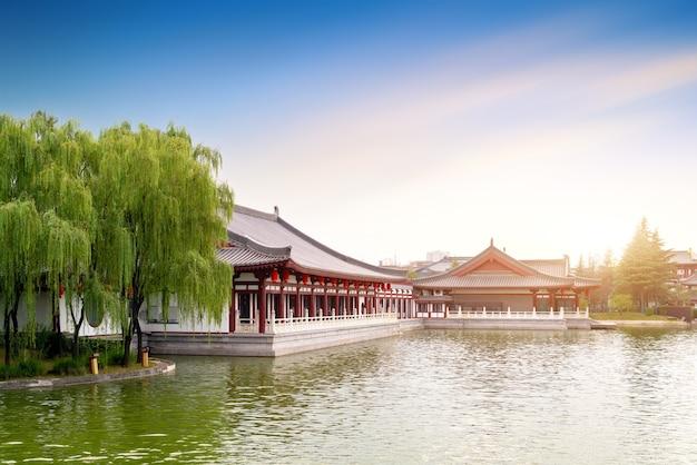 Xi 'an datang furong park schilderachtige plek landschap, dit is een beroemde toeristische schilderachtige plek. xi'an, china.