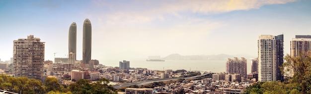 Xiamen, de stadshorizon van china van gulangyu-eiland.