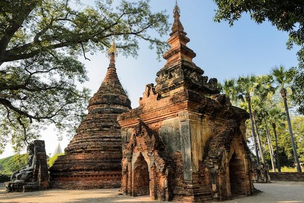 Yadana hsimi-pagode in inwa, myanmar