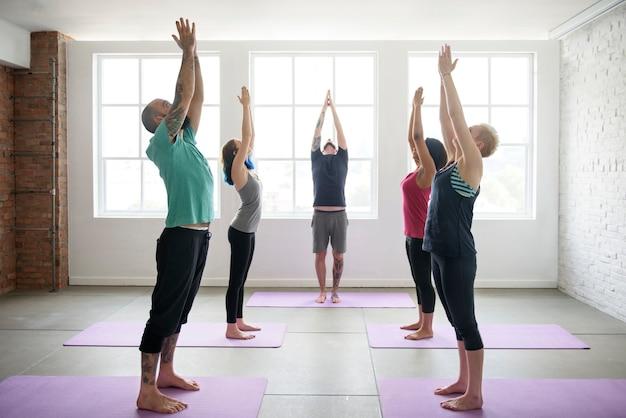 Yogapraktijk oefenklasse concept