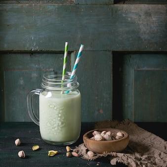 Yoghurt met pistaches
