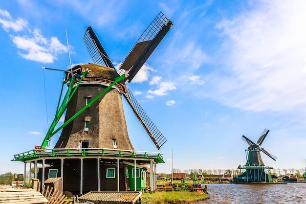 Zaanse schans dorp bij zaandam, nederland.