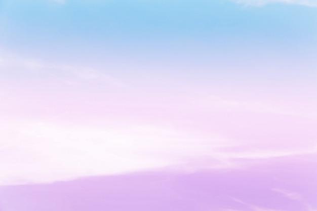 Zacht bewolkt is gradiëntpastelkleur, abstracte achtergrond