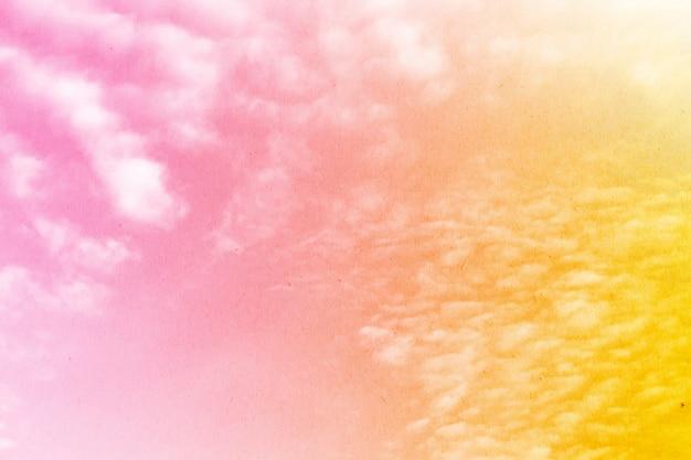 Zacht bewolkt is gradiëntpastelkleur, abstracte hemel in zoete kleur.