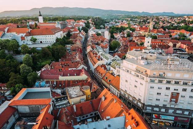 Zagreb, kroatië. luchtfoto van bovenaf van ban jelacic square