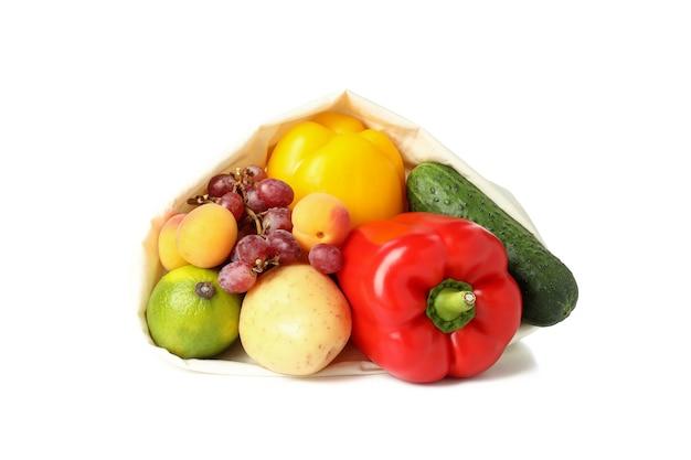 Zak met groenten en fruit geïsoleerd op witte achtergrond