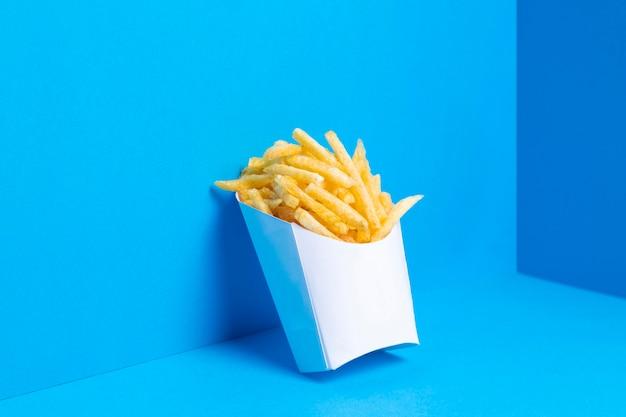 Zak vol gezouten frietjes
