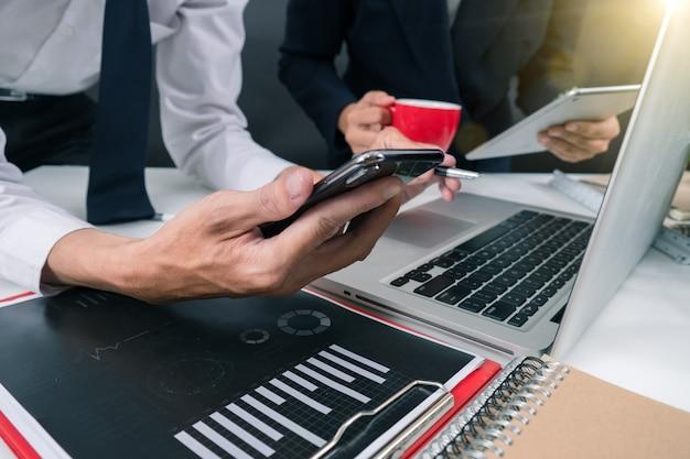 Zakelijk project teamwork plan nieuw startup project finance managers meeting digital