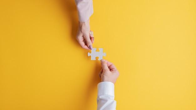 Zakelijk teamwork en samenwerking