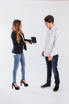 Zakelijke bijeenkomst met tablet