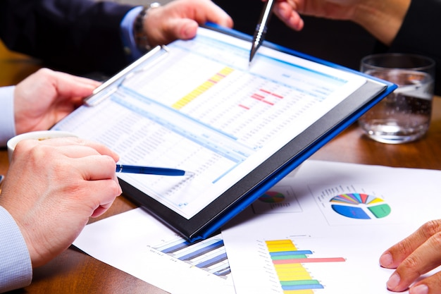 Zakelijke bijeenkomst op grafiek