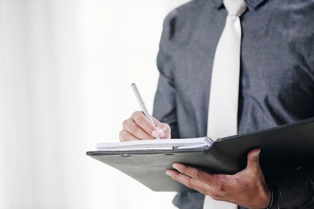 Zakelijke contracten ondertekenen