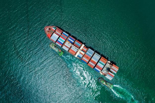Zakelijke dienstverlening en industrie verzending vrachtcontainers transport import en export internationaal bovenaanzicht