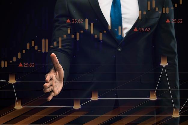 Zakelijke infographics in hologram gemaakt door zakenman