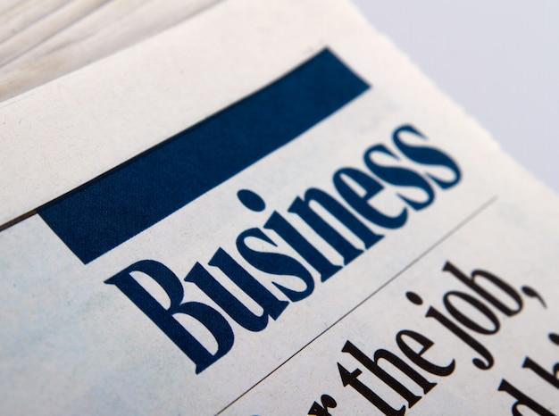 Zakelijke krant met de laatste financiële informatie van de wereld.